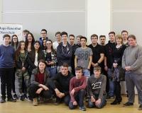 Schüler*innen der Klasse 10b, Oberschule Hohen Neuendorf und Daniel Kubiak (Zeitzeuge, ganz rechts)